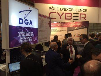 Un stand du Pôle d'excellence cyber sur un salon